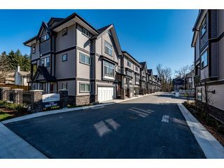 """Photo 2: 17 7740 GRAND Street in Mission: Mission BC Townhouse for sale in """"The Grand"""" : MLS®# R2445062"""