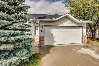 Photo 1: 19 SUNRIDGE Crescent NW: Airdrie Detached for sale : MLS®# A1029755