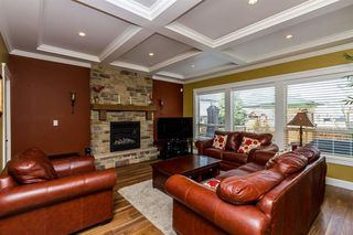 Photo 5: 17885 70A AVENUE in Surrey: Cloverdale BC Home for sale ()  : MLS®# R2040232