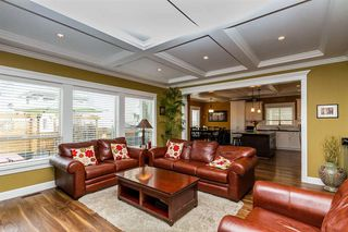 Photo 6: 17885 70A AVENUE in Surrey: Cloverdale BC Home for sale ()  : MLS®# R2040232