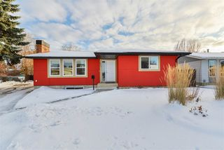 Photo 2: 9223 184 Street in Edmonton: Zone 20 House for sale : MLS®# E4221969