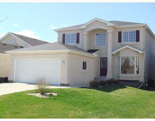 Photo 1: 23 WILFORD Close in WINNIPEG: St Vital Residential for sale (South East Winnipeg)  : MLS®# 2808347