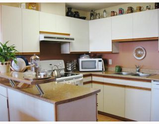 Photo 2: 905 3970 CARRIGAN Court in Burnaby: Government Road Condo for sale (Burnaby North)  : MLS®# V753561
