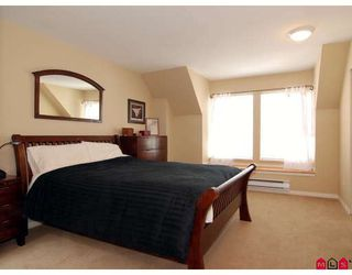 """Photo 6: 27 8844 208TH Street in Langley: Walnut Grove Townhouse for sale in """"Mayberry"""" : MLS®# F2904935"""