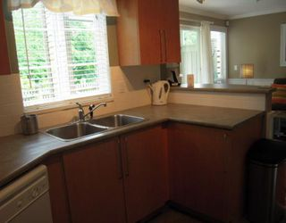 """Photo 6: 168 1100 E 29TH Street in North_Vancouver: Lynn Valley Condo for sale in """"HIGHGATE"""" (North Vancouver)  : MLS®# V773252"""