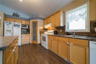 Photo 4: 375 Shorehill Drive in Winnipeg: Royalwood Residential for sale (2J)  : MLS®# 1922628