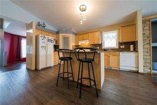 Photo 3: 375 Shorehill Drive in Winnipeg: Royalwood Residential for sale (2J)  : MLS®# 1922628