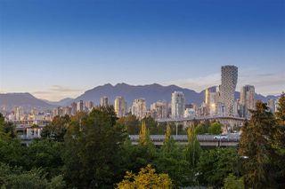 "Photo 17: 404 1485 W 6TH Avenue in Vancouver: False Creek Condo for sale in ""Carrara of Portico"" (Vancouver West)  : MLS®# R2408477"