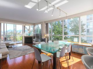 "Photo 2: 404 1485 W 6TH Avenue in Vancouver: False Creek Condo for sale in ""Carrara of Portico"" (Vancouver West)  : MLS®# R2408477"