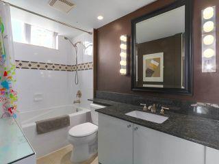 "Photo 16: 404 1485 W 6TH Avenue in Vancouver: False Creek Condo for sale in ""Carrara of Portico"" (Vancouver West)  : MLS®# R2408477"