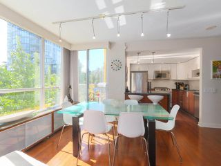 "Photo 7: 404 1485 W 6TH Avenue in Vancouver: False Creek Condo for sale in ""Carrara of Portico"" (Vancouver West)  : MLS®# R2408477"