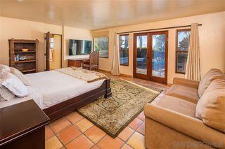 Photo 11: LA JOLLA House for sale : 4 bedrooms : 1151 Via Angelina