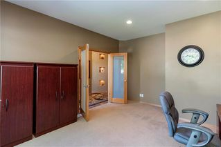 Photo 3: 263 Southbridge Drive in Winnipeg: Southdale Residential for sale (2H)  : MLS®# 202012657