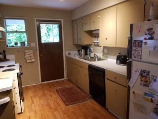 Photo 3: 1048 - 1050 MADORE Avenue in Coquitlam: Central Coquitlam Duplex for sale : MLS®# R2478531