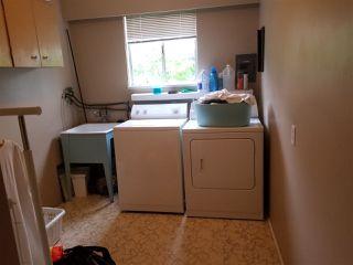 Photo 4: 1048 - 1050 MADORE Avenue in Coquitlam: Central Coquitlam Duplex for sale : MLS®# R2478531