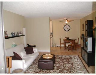 """Photo 3: 204 9101 HORNE Street in Burnaby: Government Road Condo for sale in """"WOODSTONE PLACE"""" (Burnaby North)  : MLS®# V805435"""