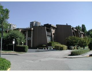"Main Photo: 204 9101 HORNE Street in Burnaby: Government Road Condo for sale in ""WOODSTONE PLACE"" (Burnaby North)  : MLS®# V805435"