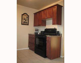 Photo 2: 176 EADE Crescent in WINNIPEG: North Kildonan Residential for sale (North East Winnipeg)  : MLS®# 2901147