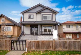 Photo 1: 2169 MANNERING Avenue in Vancouver: Victoria VE House 1/2 Duplex for sale (Vancouver East)  : MLS®# R2427120