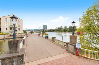 "Photo 23: 111 6 RENAISSANCE Square in New Westminster: Quay Condo for sale in ""THE RIALTO"" : MLS®# R2502495"
