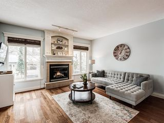 Photo 5: 4613 Monterey Avenue NW in Calgary: Montgomery Semi Detached for sale : MLS®# A1048374
