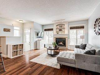 Photo 4: 4613 Monterey Avenue NW in Calgary: Montgomery Semi Detached for sale : MLS®# A1048374