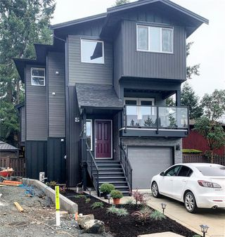 Photo 2: 684 Barolo Pl in : La Mill Hill House for sale (Langford)  : MLS®# 859746