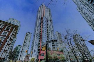 "Photo 1: 2001 1211 MELVILLE Street in Vancouver: Coal Harbour Condo for sale in ""RITZ"" (Vancouver West)  : MLS®# R2517270"