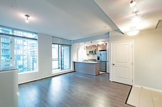 "Photo 5: 2001 1211 MELVILLE Street in Vancouver: Coal Harbour Condo for sale in ""RITZ"" (Vancouver West)  : MLS®# R2517270"