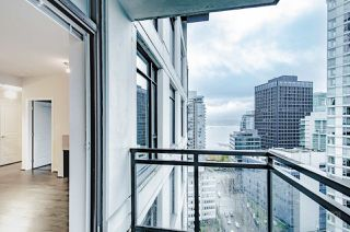 "Photo 7: 2001 1211 MELVILLE Street in Vancouver: Coal Harbour Condo for sale in ""RITZ"" (Vancouver West)  : MLS®# R2517270"