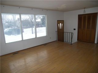 Photo 2: 405 Wales Avenue in WINNIPEG: St Vital Residential for sale (South East Winnipeg)  : MLS®# 1001818