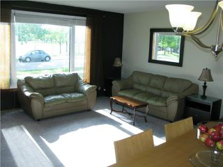 Photo 3: 1941 Chancellor Drive in WINNIPEG: Fort Garry / Whyte Ridge / St Norbert Residential for sale (South Winnipeg)  : MLS®# 1012685