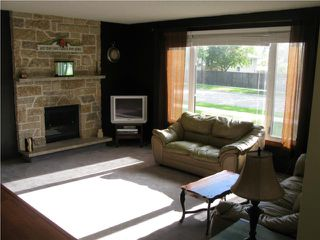 Photo 2: 1941 Chancellor Drive in WINNIPEG: Fort Garry / Whyte Ridge / St Norbert Residential for sale (South Winnipeg)  : MLS®# 1012685
