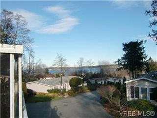 Photo 3: 611 2850 Stautw Road in SAANICHTON: CS Hawthorne Manu Double-Wide for sale (Central Saanich)  : MLS®# 287099