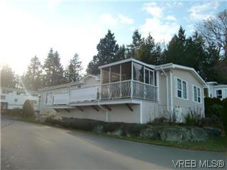 Photo 2: 611 2850 Stautw Road in SAANICHTON: CS Hawthorne Manu Double-Wide for sale (Central Saanich)  : MLS®# 287099