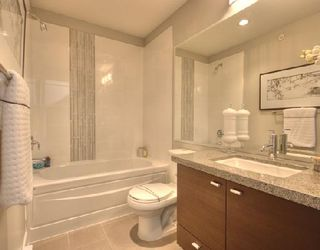 """Photo 6: 1001 W 46TH Avenue in Vancouver: South Granville Townhouse for sale in """"CARRINGTON"""" (Vancouver West)  : MLS®# V735355"""