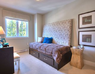 """Photo 7: 1001 W 46TH Avenue in Vancouver: South Granville Townhouse for sale in """"CARRINGTON"""" (Vancouver West)  : MLS®# V735355"""