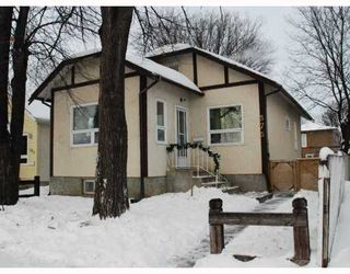 Photo 1: 375 CHALMERS Avenue in WINNIPEG: East Kildonan Residential for sale (North East Winnipeg)  : MLS®# 2900377