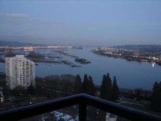 "Photo 12: 1704 15 E ROYAL Avenue in New_Westminster: Fraserview NW Condo for sale in ""VICTORIA HILL HIGH RISE"" (New Westminster)  : MLS®# V749601"