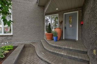 Photo 3: 124 WOLF WILLOW Close in Edmonton: Zone 22 House for sale : MLS®# E4170282