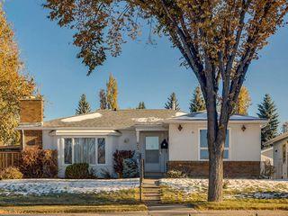 Photo 1: 2308 Palliser Drive SW in Calgary: Palliser Detached for sale : MLS®# C4272355