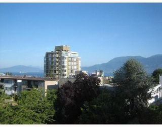 """Photo 11: PH3 2428 W 1ST Avenue in Vancouver: Kitsilano Condo for sale in """"Noble House"""" (Vancouver West)  : MLS®# V782762"""