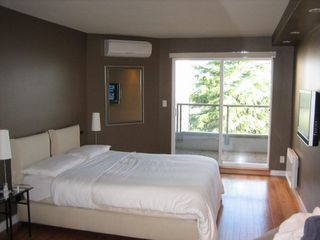"""Photo 6: PH3 2428 W 1ST Avenue in Vancouver: Kitsilano Condo for sale in """"Noble House"""" (Vancouver West)  : MLS®# V782762"""