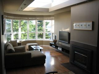 """Photo 2: PH3 2428 W 1ST Avenue in Vancouver: Kitsilano Condo for sale in """"Noble House"""" (Vancouver West)  : MLS®# V782762"""