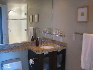 """Photo 5: PH3 2428 W 1ST Avenue in Vancouver: Kitsilano Condo for sale in """"Noble House"""" (Vancouver West)  : MLS®# V782762"""