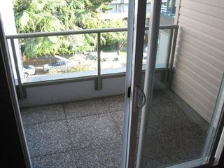 """Photo 8: PH3 2428 W 1ST Avenue in Vancouver: Kitsilano Condo for sale in """"Noble House"""" (Vancouver West)  : MLS®# V782762"""