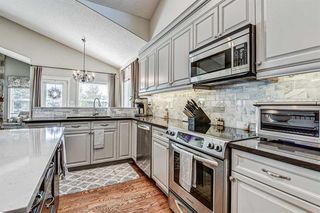 Photo 7: 4 WESTON Place SW in Calgary: West Springs Detached for sale : MLS®# A1027576