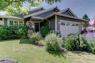 Photo 1: 512 Longspoon Bay, in Vernon: House for sale : MLS®# 10213531