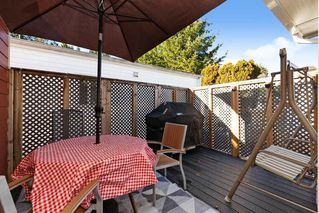 """Photo 16: 19645 PINETREE Lane in Pitt Meadows: Mid Meadows Manufactured Home for sale in """"MEADOWHIGHLANDS"""" : MLS®# R2528246"""