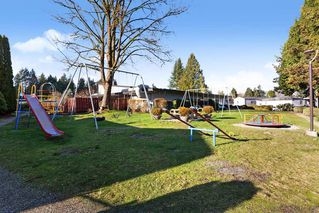 """Photo 20: 19645 PINETREE Lane in Pitt Meadows: Mid Meadows Manufactured Home for sale in """"MEADOWHIGHLANDS"""" : MLS®# R2528246"""